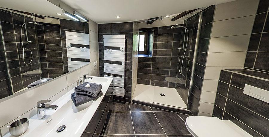Gîte Brand – Salle de bains 228