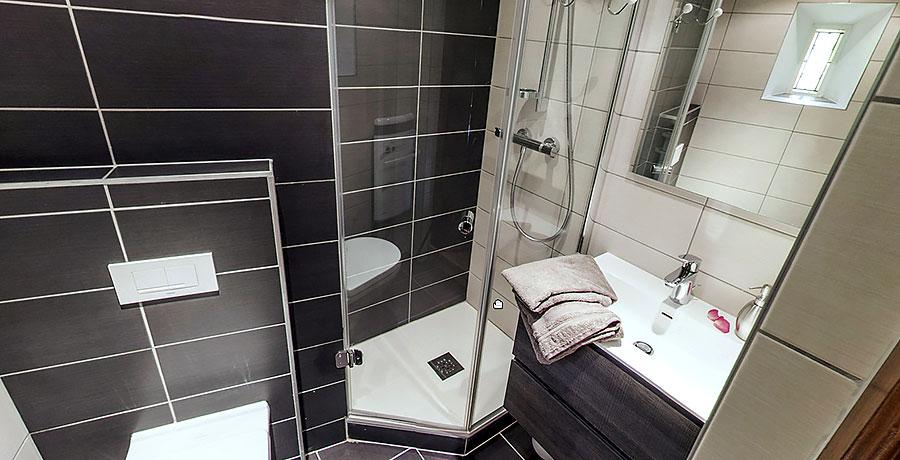 Gîte Veilleur – Salle de bain 215